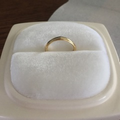 【俄(にわか)の口コミ】 少し特別な私たちらしい指輪を探していました。また、普段から指輪をしない…