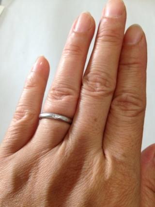 【ティファニー(Tiffany & Co.)の口コミ】 一粒ダイヤでがアクセントになり、普段使いにはピッタリです。丸みを帯び…