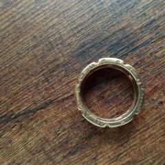 【MAUBOUSSIN(モーブッサン)の口コミ】 雑誌に載っていてひとめぼれしました。手と指が大きく、細身のリングだと…