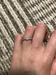 【俄(にわか)の口コミ】 互いの繋がりが交差するようなデザインになっています。他の指輪にはない…