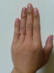 【Love Bond(ラブボンド)の口コミ】 妻が選んだ商品のペアリングでは、付けた時に自分の指の太さや肌の色に合…