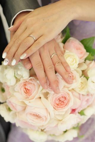 【ケイウノ ブライダル(K.UNO BRIDAL)の口コミ】 わたしたち夫婦は指が細いので(新郎11号、新婦4号)華奢で細身のリング…
