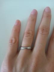 【TILLA EARTH(ティーラアース)の口コミ】  ごてっとしておらず、細い指の私にぴったりだなと思って購入しました。 …