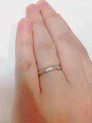 【jour en jourの口コミ】 似たようなデザインの結婚指輪は世の中に沢山ありますが、やはり今後を考…