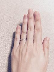 【ティファニー(Tiffany & Co.)の口コミ】 婚約指輪との相性を大事にしていたので、重ね付けにした時にぴったりフィ…