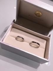 【Forever Rings(フォーエバーリングス)の口コミ】 もともとよく行くお店で結婚指輪は絶対ここと決めていて、かつ若くお金もそ…