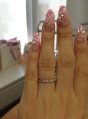 【俄(にわか)の口コミ】 婚約指輪の購入はやめて、結婚指輪だけの予定だったので、エタニティを探…