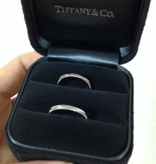 【ティファニー(Tiffany & Co.)の口コミ】 二人とも子ども相手の仕事で手が汚れることが多いため、シンプルなデザイ…