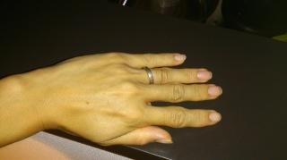 【SORA(ソラ)の口コミ】 この指輪は表面の凹凸が自分で作ることができ、凹凸を多くするも少なくする…