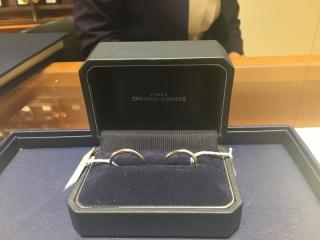 【銀座ダイヤモンドシライシの口コミ】 キラキラしている指輪を探していたところ、店員さんの指輪に目が行き、そ…