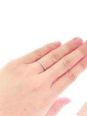 【Ponte Vecchio(ポンテヴェキオ)の口コミ】 指が綺麗に見える細いタイプで尚且つウエーブ型のリングを探しており、今回…