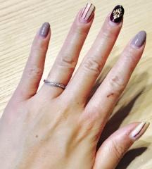 【Mariage(マリアージュ)の口コミ】 婚約指輪を購入しなかった為、指輪はダイヤ多めを希望しておりました。 細…