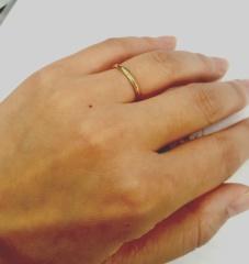 【チェリーブラウン(CHERRY BROWN)の口コミ】 ゴールドのきわめてシンプルな指輪を探していました。ゴールドの中でも少し…