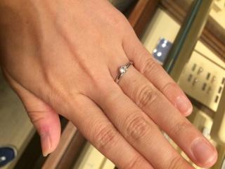【ギンザタナカブライダル(GINZA TANAKA BRIDAL)の口コミ】 婚約指輪はあまりつけないと思ったのでリーズナブルであることをまず重視し…