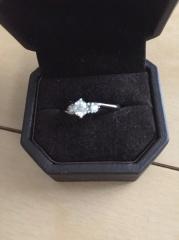 【アイプリモ(I-PRIMO)の口コミ】 もともと指輪を見に行くだけのつもりで行ったのですが、この指輪をみて一目…