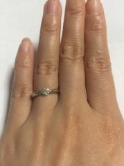 【Miss Platinumの口コミ】 ・シンプルかつ華やかなデザイン ・ダイヤの大きさが指とバランス良く馴染…
