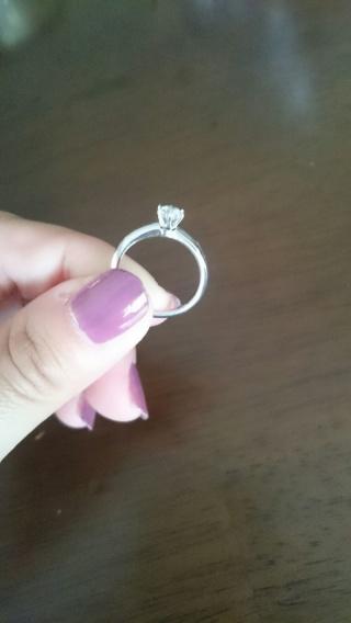 【ティファニー(Tiffany & Co.)の口コミ】 『これぞエンゲージリング!!』というベタな婚約指輪が欲しかったので、…