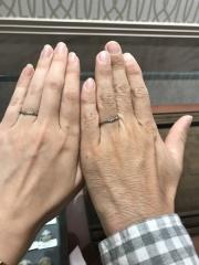 【アンジェリックフォセッテ(Angelique Fossette)の口コミ】 来店前は、S字でカーブの綺麗なものにしようと思っていましたが、婚約指輪…