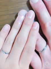 【ジュエリースタジオ プラスターの口コミ】 シンプルなプラチナの指輪を探していて、中々しっくりくるデザインにめぐ…