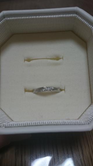 【4℃(ヨンドシー)の口コミ】 シンプルで少しダイヤが入っている物がいいなと思い探していました。他にも…