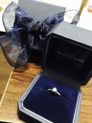 【銀座ダイヤモンドシライシの口コミ】 婚約指輪は、日常も結婚指輪と合わせて付けていたいので、合わせやすいも…