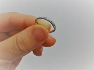 【Mariage(マリアージュ)の口コミ】 先に同店舗で購入していた婚約指輪と重ね付けすることを前提にデザインを選…