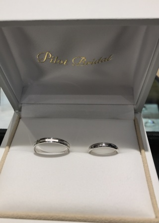 【PILOT BRIDAL(パイロットブライダル)の口コミ】 夫婦で似たデザインの指輪をつけるのが一般的であり、かつ、妻の決めたデ…