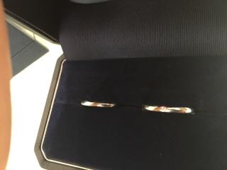 【銀座ダイヤモンドシライシの口コミ】 色々なデザインの指輪をつけて見ましたが、2人の指に一番しっくりきたため…