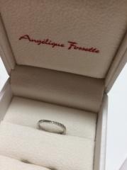 【アンジェリックフォセッテ(Angelique Fossette)の口コミ】 婚約指輪がとても好きだったので、同じブランドに即決しました。 デザイン…