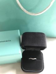 【ティファニー(Tiffany & Co.)の口コミ】 シンプルだけどダイヤは目立たせたい ので沢山試着しました。 全て可愛い…