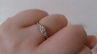 【アイプリモ(I-PRIMO)の口コミ】 ・見本よりも小さなダイヤだったので、メレダイヤのある華やかなものにした…