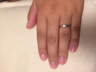 【スタージュエリー(STAR JEWELRY)の口コミ】 Vカットになっているので指が細く見えるところ。シルバーなので年齢を重ね…