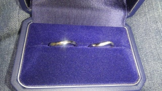 【銀座ダイヤモンドシライシの口コミ】 やっぱり指輪をつけたときの感覚です‼ たくさんいろんな指輪を持ってきて…