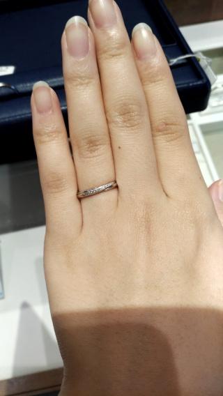 【銀座ダイヤモンドシライシの口コミ】 普段指輪を付けないので指輪に関してまったく知識がなく、初歩の初歩から…