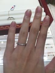 【カルティエ(Cartier)の口コミ】 結婚指輪を頂かなかったのでハーフエタニティで探していた。色んなブラン…