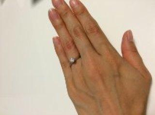 【ティファニー(Tiffany & Co.)の口コミ】 女性雑誌にも常に広告が出ていて、10代の頃から婚約指輪の理想といえば、…