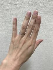 【スタージュエリー(STAR JEWELRY)の口コミ】 指が長く見える形と、ダイヤがハートに見えるのが気に入りました。でも私よ…
