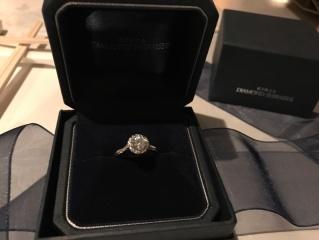 【銀座ダイヤモンドシライシの口コミ】 店長さんが接客してくださいました。 ctが0.3〜0.5くらいで探して…