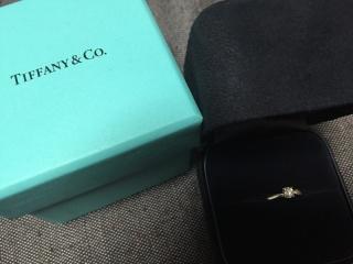 【ティファニー(Tiffany & Co.)の口コミ】 あまり立て爪だと、ストッキングや衣服にひっかかるためひっかからないデ…
