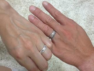 【LOVERS SCENEの口コミ】 夫が薬指の付け根にある墨が隠れるようにと、太めの指輪を探していました。…