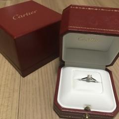 【カルティエ(Cartier)の口コミ】 カルティエとティファニーのどちらかが良い!と思い、婚約指輪探しをしまし…