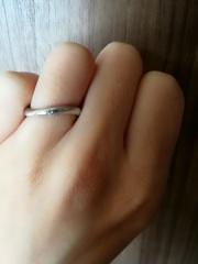【エクセルコダイヤモンド(EXELCO DIAMOND)の口コミ】 指がきれいに見えること(女性にしては手が大きく指も太いので・・・)が決…
