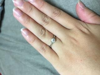 【ラザール ダイヤモンド(LAZARE DIAMOND)の口コミ】 元々、ミル打ちデザインの指輪を探していました。ミル打ちはデザイン変更…