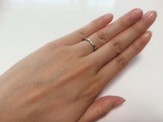 【アイプリモ(I-PRIMO)の口コミ】 婚約指輪を購入する際、結婚指輪も一緒に購入すると割引され、特典もいただ…