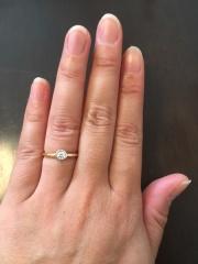 【アーヴェルシュシュ(arbel shushu)の口コミ】 結婚指輪と一緒につけたときに、華やかな印象になり、統一感があり、かつ…