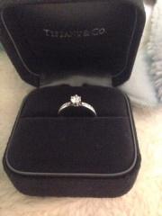【ティファニー(Tiffany & Co.)の口コミ】 夫が決めたものなのですが、シンプルでクラシカルな王道なデザインのもの…