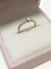 【Love Bond(ラブボンド)の口コミ】 ダイヤモンドの品質や大きさを選べて、注文できるということが一番の決め…