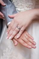【エンジェリーいのこの口コミ】 父の務めていた店で買うことを決めていたのと 婚約指輪と結婚指輪を同時に…