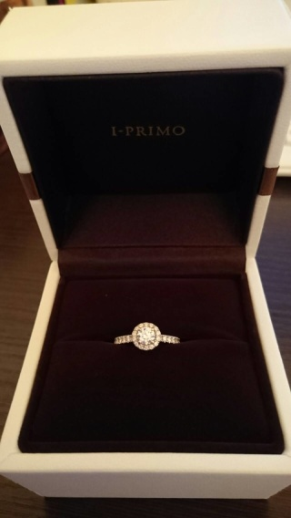 【アイプリモ(I-PRIMO)の口コミ】 一番ゴージャスなこの指輪に一番最初に目がとまり、2時間ほど色々試着した…