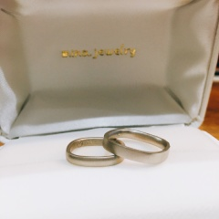 【mina.jewelry(ミナジュエリー)の口コミ】 はじめは憧れのブランドの結婚指輪にしようと2件見に行きましたが、ピンと…